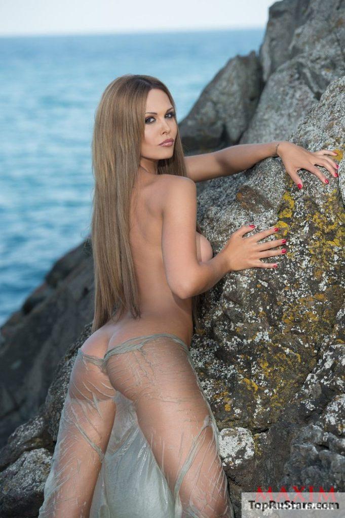 Голая мария довгань порно, красивая брюнетка раздевается на веб камеру