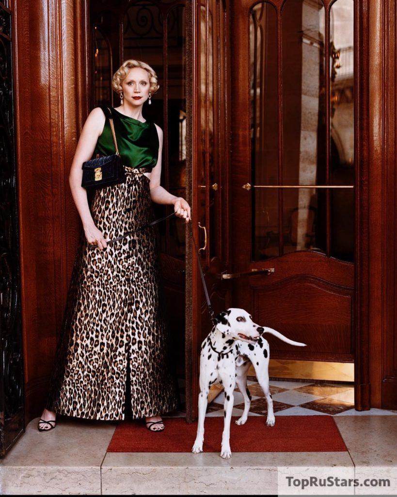 Гвендолин с собачкой