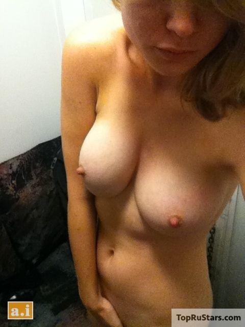голая бри ларсон и грудь