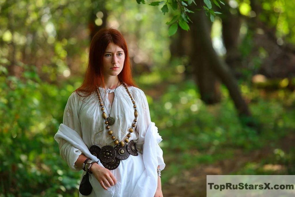 Голая Елена Рассохина
